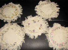"5 X ANTIQUE TABLE PROTECTORS SATIN FLORAL EMBROIDERY 6.5"" DIA ALL DIFFERENT"